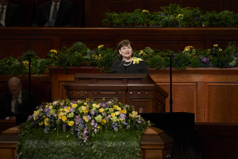 President Monson's daughter, Ann Dibb, speaks at his funeral in the Conference Center at Temple Square.