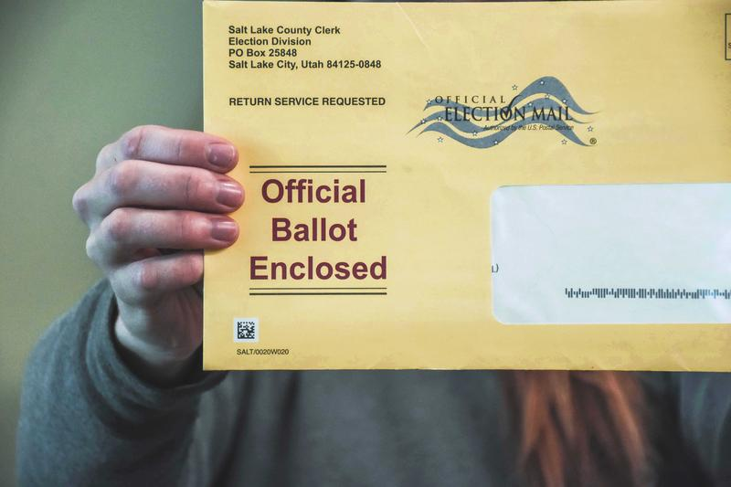 Photo of ballot envelope.