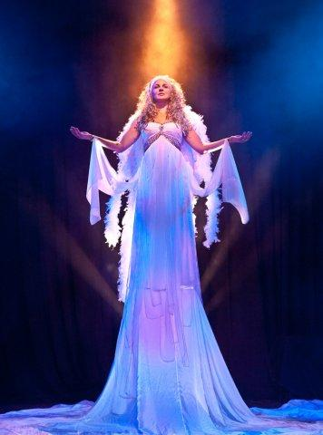 Nell Gwynn performs in Salt Lake Acting Company?s ?Angels in America?
