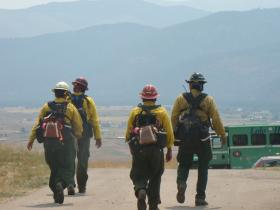 Firefighters heading to the line on the Mill Creek fire