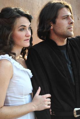 Julia Porter as Juliet and Bryan Ferriter as Romeo