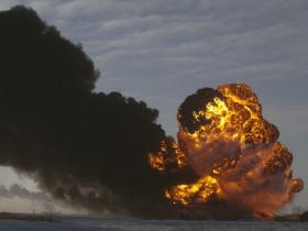 Explosion of oil tanker cars after train derailment near Cassleton, North Dakota December 30th