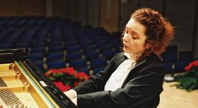 Guest piano soloist, Lisa Smirnova