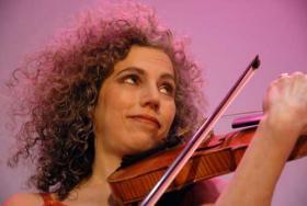 Klezmer fiddler, Alicia Svigals