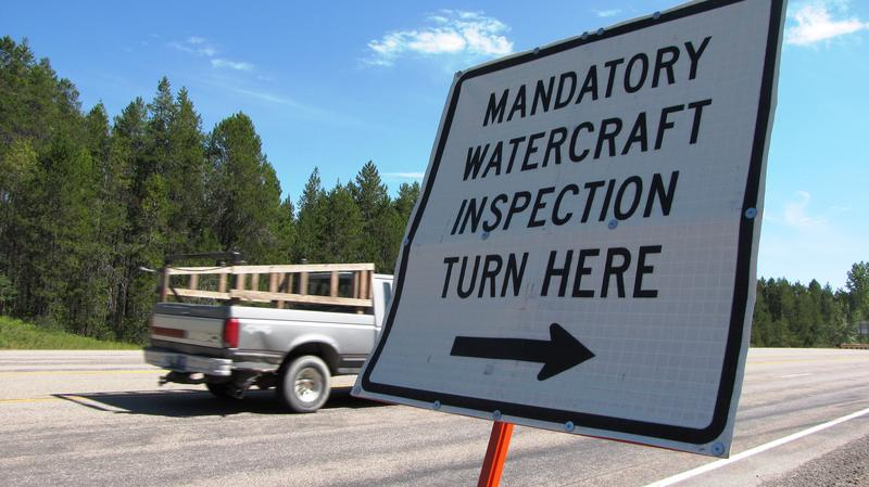 Watercraft inspection station sign.