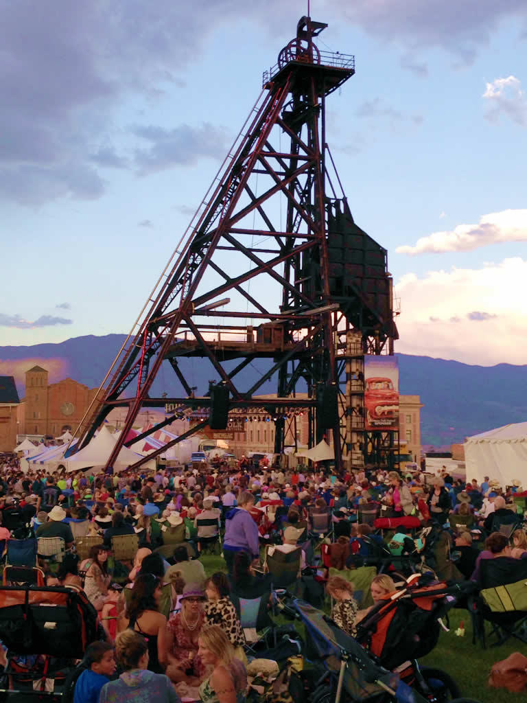 Crowds surround the Original stage on day 1 of the 2014 Montana Folk Festival