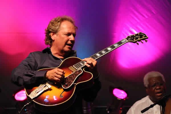 Lee Ritenour on stage during the 2014 Crown Guitar Festival.