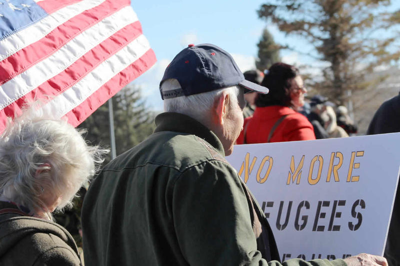 A movement to block the potential resettlement of Syrian refugees in the state of Montana took to the steps of the Capitol for a rally on Monday.