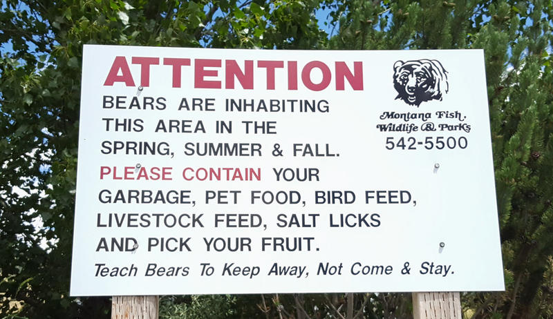 A sign in Missoula warning that bears inhabit the area.