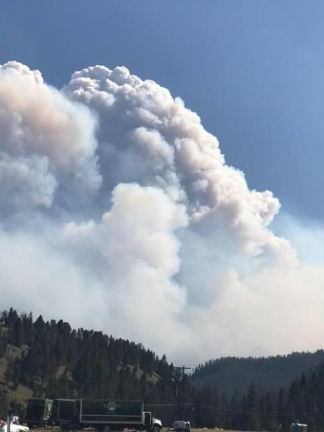 Smoke plume over the incident command post for the Meyers Fire, August 2, 2017.