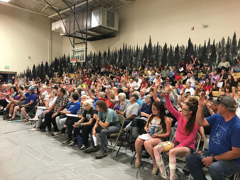 Hundreds attend a fire meeting in Seeley Lake, MT, Thursday, August 10, 2017.