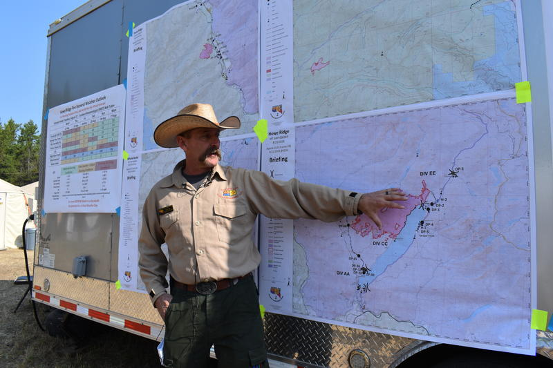 Operations Section Chief Todd Abel at a briefing on the Howe Ridge Fire in Glacier National Park, August 22, 2018.