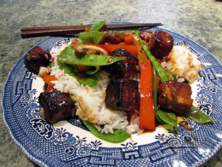 Tofu-veggie stir fry. (CC-BY-NC)
