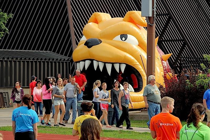Welcome Week Bulldog