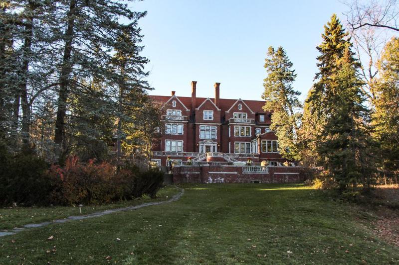 Gleensheen Mansion