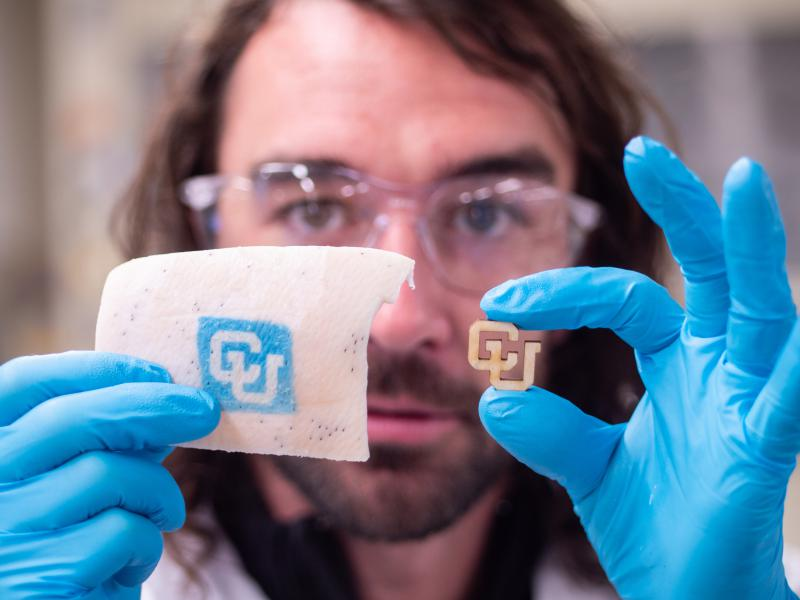 Using UV-sensitive dyes and nanotechnology, Carson Bruns developed tattoo inks that can appear or disappear based on changes in body chemistry.