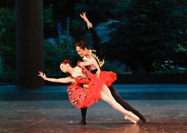 Maria Kochetkova (San Francisco Ballet) and Jeffrey Cirio (Boston Ballet) in Don Quixote (Act III Pas de Deux) on Opening Night at the 2013 Vail International Dance Festival.