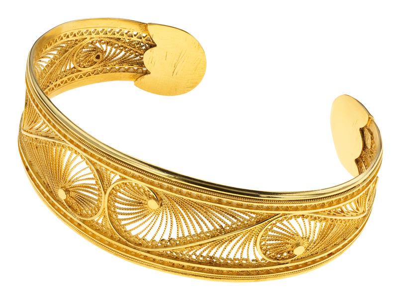 Filigree bracelet by Kokku