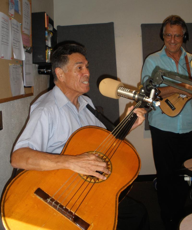 Rudy Jaramillo (Guitarrón)