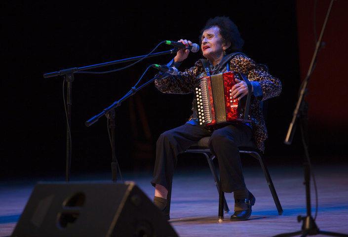 Antonia Apodaca Performing at Nuestra Música 2016