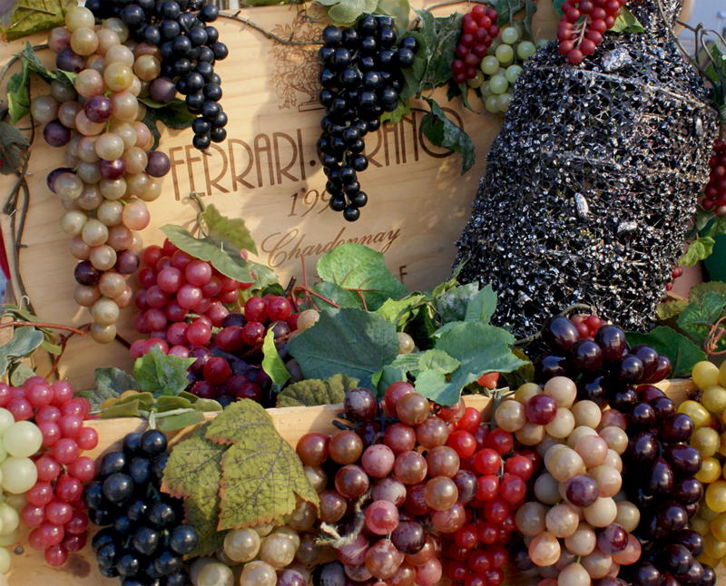 Don't forget about the wine and grape decor, folks!