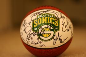 Basketball signed by the 2007 Sonics.