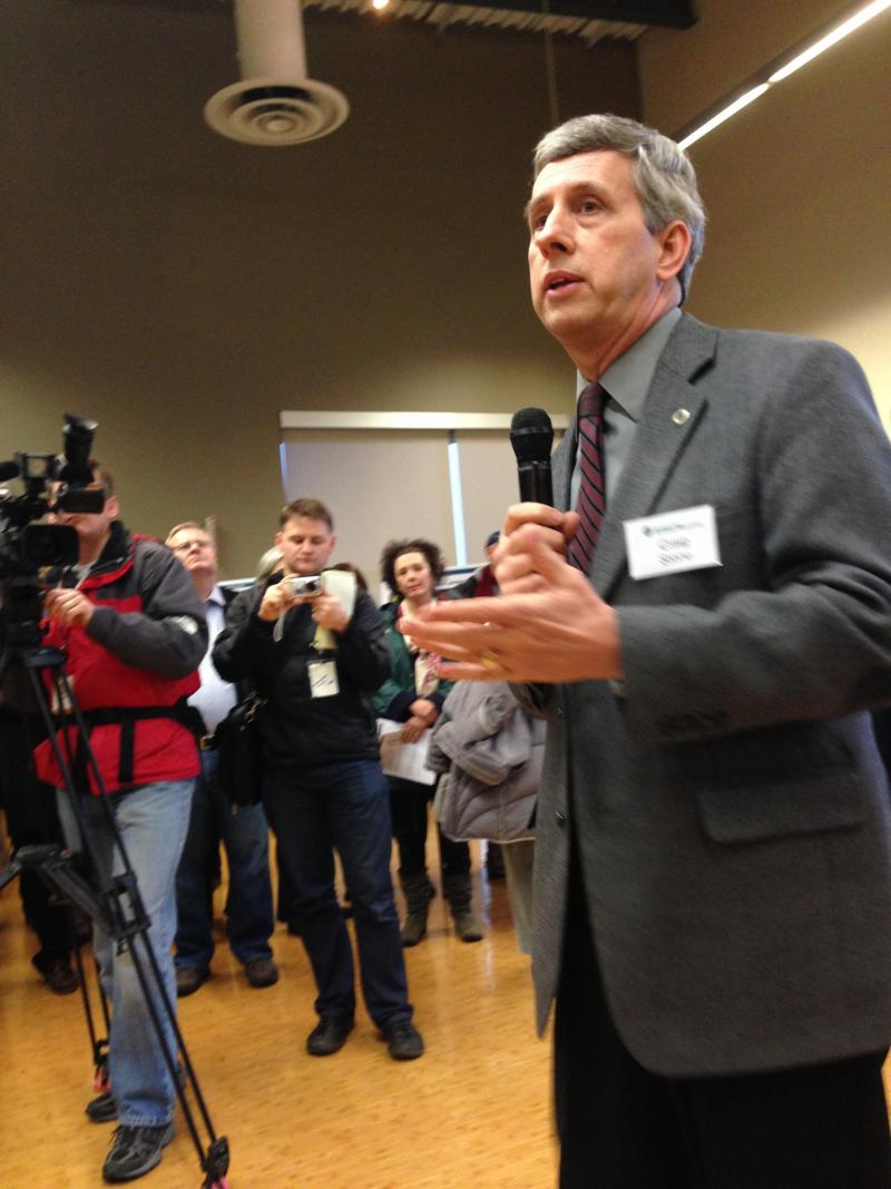 WSDOT Toll Division boss Craig Stone takes audience questions