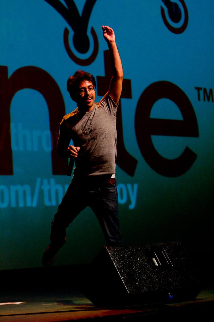 Roberto Hoyos on stage at Ignite Seattle 11.