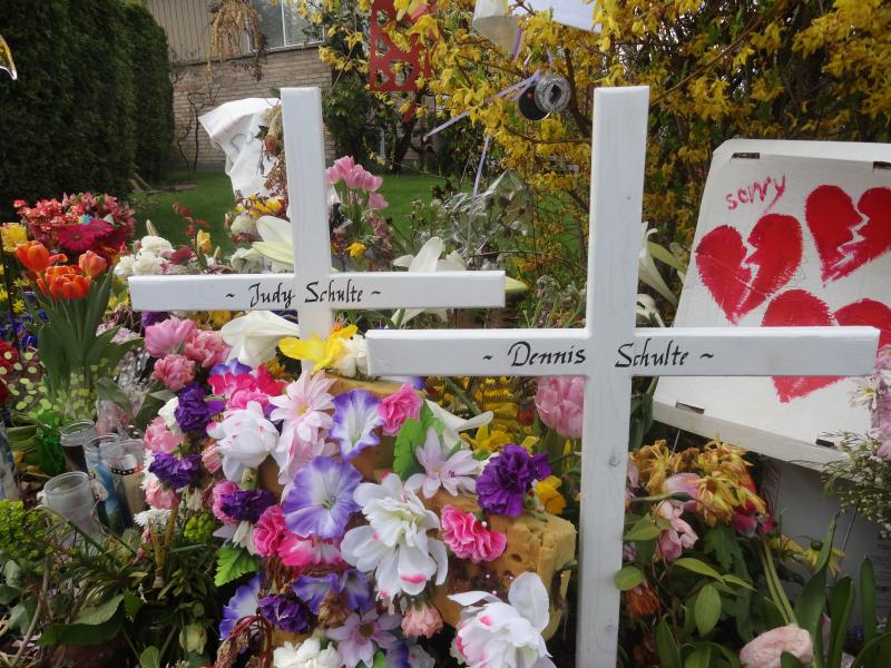 Crosses For Dennis and Judith Schulte