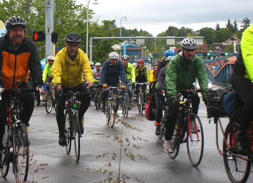 Seattle Cyclists Brave The Rain on Bike To Work Day 2010