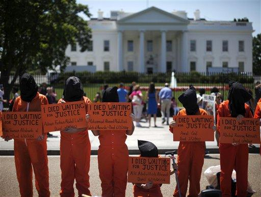 On May 17, human rights activists seeking to close down Guantanamo Bay protested in front of the White House.