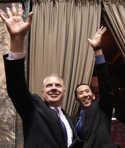 Mayoral hopeful Ed Murray and partner Michael Shiosaki