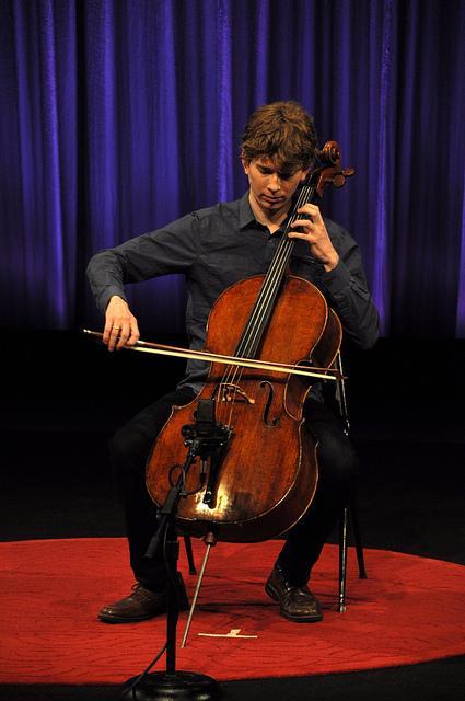 Cellist Joshua Roman.