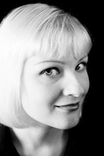 Portrait of poet Kelly Davio