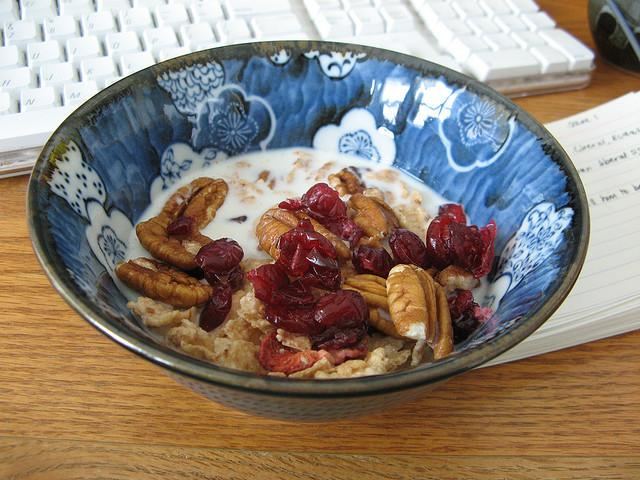 Even if it's at your desk, dietitian Mary Purdy stresses a good fiber and protein breakfast to crush the midday slump.