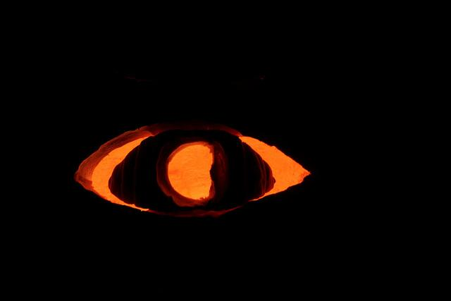 "A loyal ""Welcome To Night Vale"" fan used the show's trademark image to inspire a pumpkin carving."