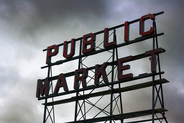 The sign at Pike Place Market.
