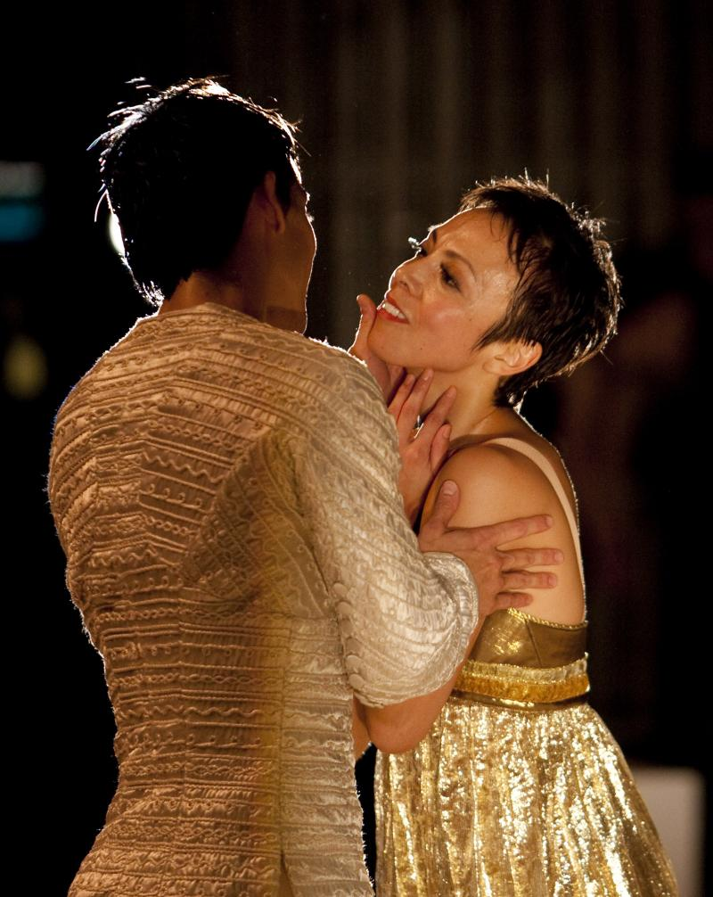"Kaori Nakamura and James Moore in Maillot's ""Romeo et Juliette"""