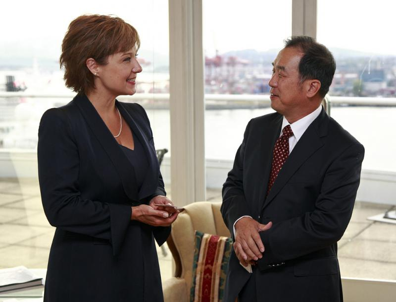 Premier Christy Clark meets with Zhang Junsai, Ambassador of the People's Republic of China to discuss trade in 2011.