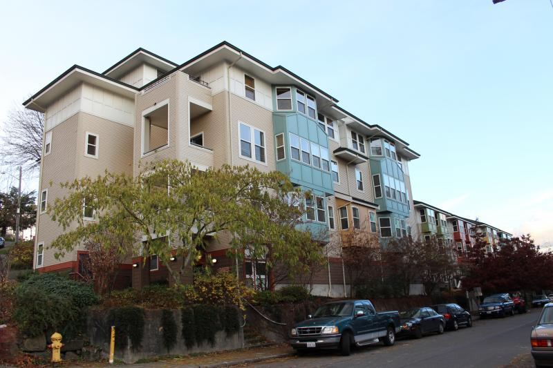 Jackson Place Cohousing in Seattle's South from the outside.