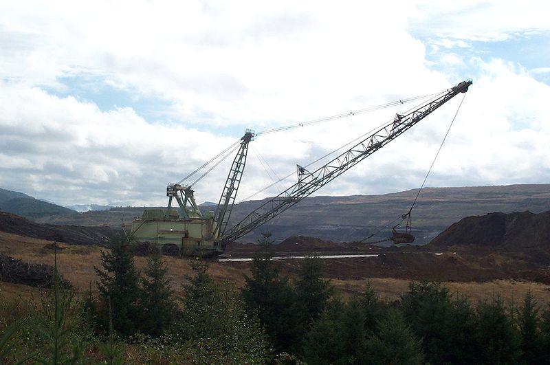 Dragline at the Centralia's open-pit coal mine.