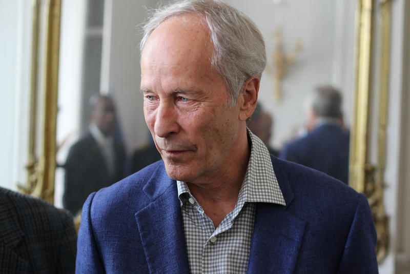Author Richard Ford, Livre sur la Place, September 2014.