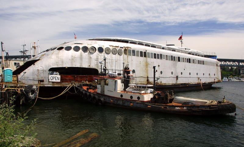 A picture of the Kalakala ferry from 2001.