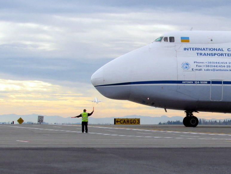 An Antonov 124 cargo jet, one of the world's largest, taxis at Sea-Tac.