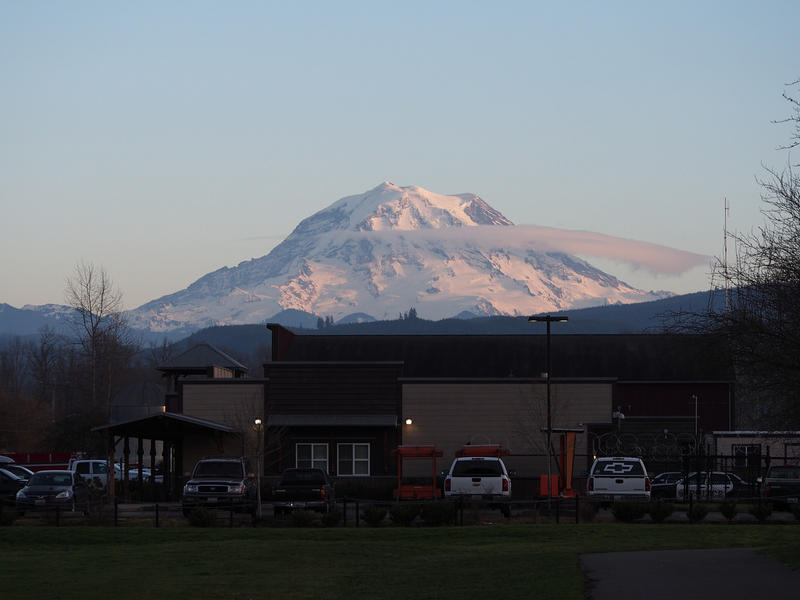 Mount Rainier seen from the town of Orting, Washington.