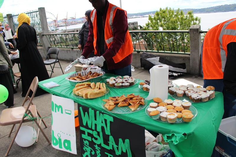 Cupcakes and sambusas were on the menu at Islamophobia Awareness Day