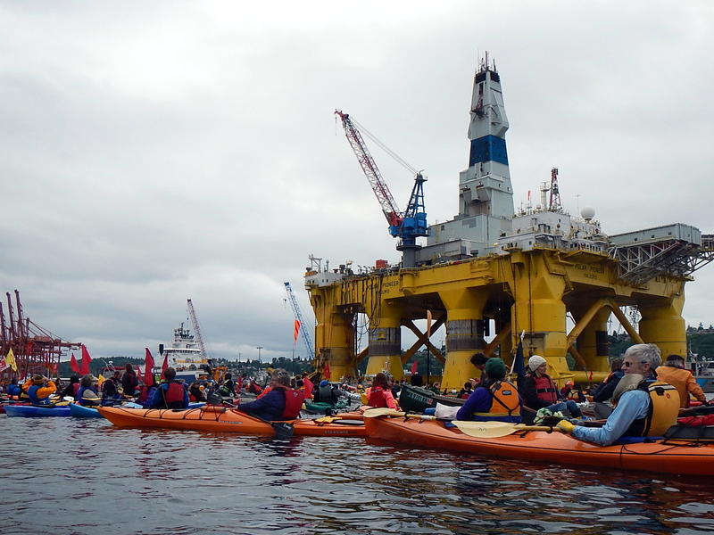 The Polar Pioneer and hundreds of kayaking protesters on Seattle's Duwamish Waterway on May 16, 2015.