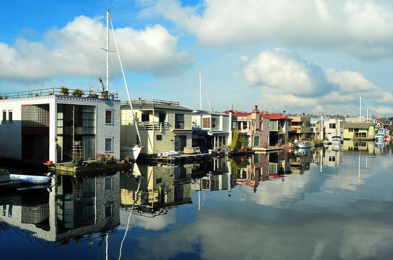 Houseboats on Lake Union in the Eastlake area.