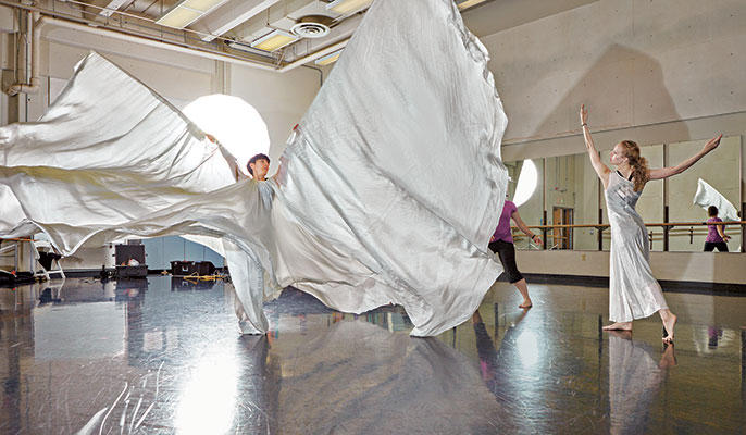 A dancer and stager rehearse Loïe Fuller's 'Lily of the Nile.'