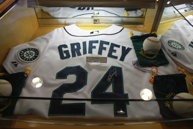 Ken Griffey, Jr. uniform